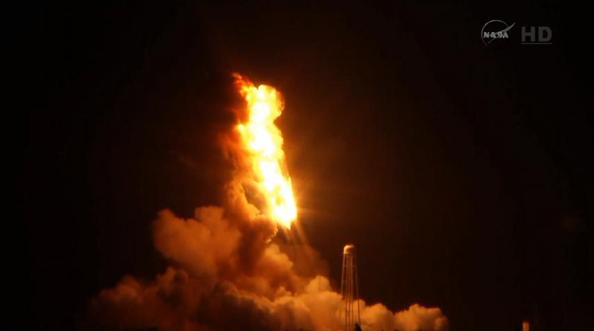 Lancement Antares - Cygnus (Orb.3) - 28 octobre 2014. [Echec] - Page 5 Explosion%20%2810%29
