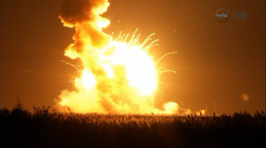 Lancement Antares - Cygnus (Orb.3) - 28 octobre 2014. [Echec] - Page 5 Explosion%20%2812%29