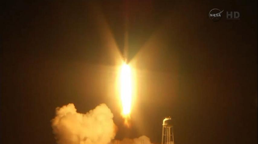 Lancement Antares - Cygnus (Orb.3) - 28 octobre 2014. [Echec] - Page 5 Explosion%20%287%29